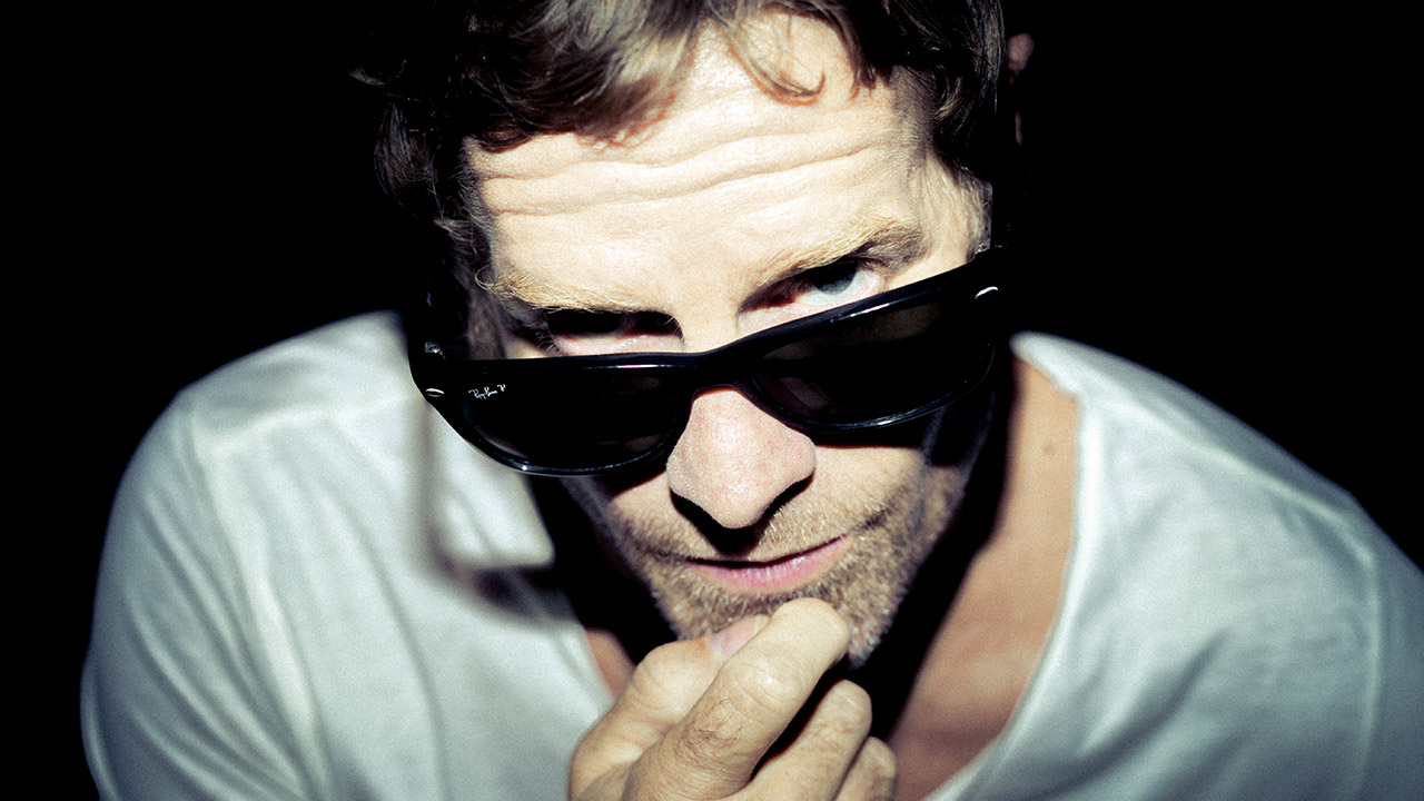 Arno Carstens Releases Two Brand New Singles